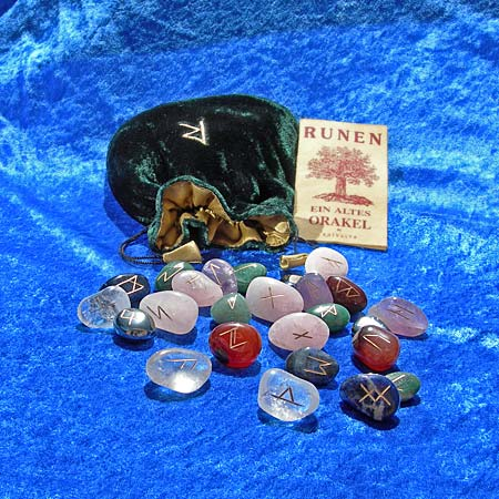 "AvalonsTreasury.com: Set of Runes ""Gemstones"" (Page: Set of Runes ""Gemstones"") [450 x 450 px]"